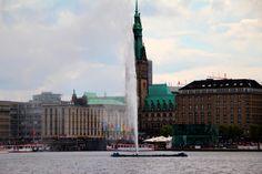 Hamburg Alster mit Blick auf den Jungfernstieg