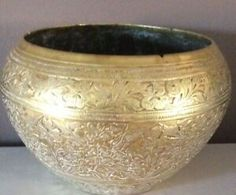 Ornate Engraved Indian / Middle Eastern Brass Vintage Bowl | eBay Copper, Brass, Vintage Bowls, Home Decor Styles, Floral Design, Middle, Indian, Ebay, Floral Patterns
