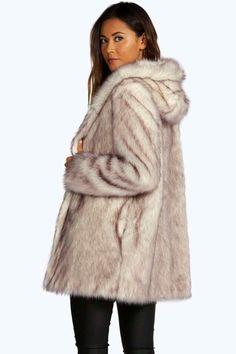 Boutique Kappa i fuskpäls med huva Black Raincoat, White Faux Fur Coat, Faux Fur Hooded Coat, Fox Fur Coat, Fur Coats, Ladies Boutique, Boutique Clothing