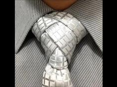 How to make a different tie knot. Como hacer nudo de corbata diferente - YouTube