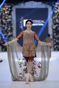 Always experiment, innovate and be your own statement. Pakistani Couture, Pakistani Bridal Dresses, Pakistani Dress Design, Pakistani Outfits, Indian Outfits, Mehendi Outfits, Bridal Lehenga, Pakistani Formal Dresses, Indian Dresses