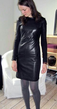 Black Leather Dresses, Leather Skirt, Bad Girl Outfits, Vinyl Dress, Leder Outfits, Latex Dress, Elegant, Leather Fashion, Sexy Dresses