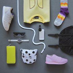 Urban style. Mikina Wesc, batoh Herschel Supply, brýle, hodinky Komono, boty Adidas Originals, ponožky HappySocks, čepice Wesc, rybí oko RibEye, tkanička Marshal Apparel. To vše najdete na www.freshlabels.cz