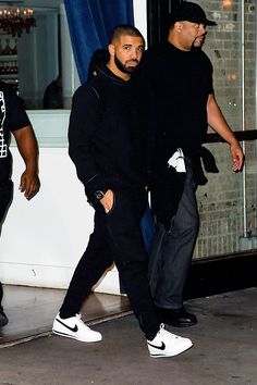 celebritiesofcolor:  Drake out in NYC