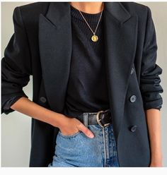 16 Chic and Easy Fall Outfit Ideas - Street Style - Modetrends Black Women Fashion, Look Fashion, Korean Fashion, Trendy Fashion, Autumn Fashion, Womens Fashion, Fashion Spring, Fashion 2018, Cheap Fashion