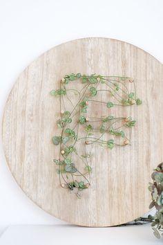 DIY Monogram auf Pflanzen als Valentinstagsgeschenk - Geschenkartikel Diy Monogramm, String Art Tutorials, Retro Chic, Hacks Diy, Diy Craft Projects, Valentine Day Gifts, Plants, Diy Blog, Entertainment Area