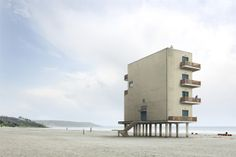 impossible architecture by architectural photographer filip dujardin, 2013 dujardin's photomontages are a collection of impossible structures created using a digital collaging technique from photographs of real buildings in and around ghent, belgium. Architecture Cool, Landscape Architecture, Photomontage, Architectural Photographers, Small Buildings, Construction, Brutalist, Art Plastique, Willis Tower