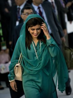 Who is Hina Rabbani Khar? Read all about her here: http://ndtv.in/QHg0Aw