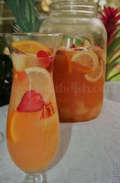 Weekend Cocktails - Pineapple Lemonade Spring Sangria Blanca @deepsouthdish
