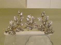 Diamond oak-leaf tiara  English, Hunt & Roskell, London, about 1855  Formed of three separate sprays.