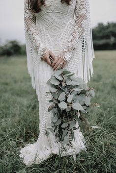 Toria wore a Rue de Seine gown for her natural, organic, Kinfolk inspired and bohemian wedding. Photography by Kat Hill.