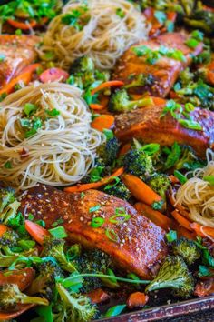 Sheet Pan Asian Salmon with Broccoli, Carrots, and Rice Noodles from The Food Charlatan - New Site Salmon And Broccoli Pasta, Salmon And Rice, Rice Noodles, Asian Broccoli, Rice Noodle Recipes, Asian Noodle Recipes, Fish Recipes, Seafood Recipes, Recipes
