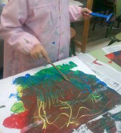 Colores primarios en tempera, espátula y rodillo