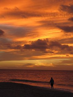 Sunset at Eagle Beach, Aruba.....can't wait to see this in person