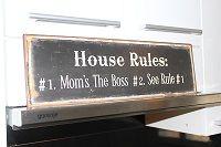 Mom`s the boss kyltti