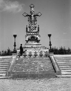 Szent Mihály temető - Kálvária kereszt Statue Of Liberty, Travel, Statue Of Liberty Facts, Viajes, Statue Of Libery, Destinations, Traveling, Trips