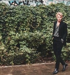 You know it's a long way down Perfect People, Beautiful People, Tom Peters, Tom Odell, George Ezra, Piano Man, Jack White, Current Mood, Gentleman