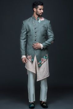 Grey floral jacket with kurta and pants available only on Carma Online Shop. Wedding Kurta For Men, Wedding Dresses Men Indian, Wedding Dress Men, Wedding Men, Wedding Suits, India Fashion Men, Indian Men Fashion, Mens Fashion, Latest Kurta Designs