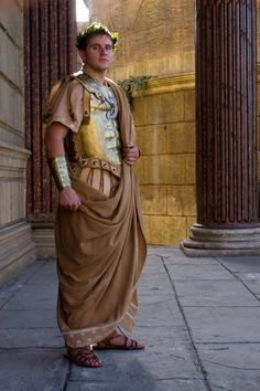 Season 2 Promotional photograph for the HBO drama series Rome Ancient Rome, Ancient Greece, Rome Hbo, Rome Costume, Rome Tv Series, Roman Toga, Greece Fashion, Empire Romain, Roman Soldiers