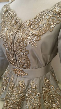 Best 12 Janice McGraw's media statistics and analytics Couture Fashion, Hijab Fashion, Fashion Dresses, Couture Embroidery, Embroidery Fashion, Arabic Dress, Oriental Dress, Moroccan Caftan, Embroidery On Clothes