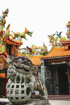 colorful dragons and stone statues outside a temple in Emei Taiwan Asian Architecture, Beautiful Architecture, Stone Statues, Buddha Statues, Statue Tattoo, Taoism, Fun Hobbies, Ancient China, Chinese Culture