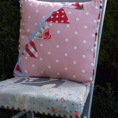 SHABBY CHIC VINTAGE BUNTING AND FLOWER APPLIQUED CUSHION