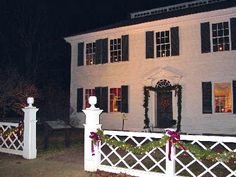 2020 New England holiday events guide. Here are 10 merry holiday events to inspire your New England Christmas season travels. Sturbridge Massachusetts, Sturbridge Village, Holidays In England, Event Guide, Colonial America, Seasonal Decor, Holiday Decorations, Beautiful Places To Visit, Victorian Era