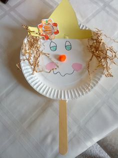 Paper Plate Scarecrow Puppet