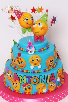 Torturi - Viorica's cakes: Tort cu Emoticoane pentru Antonia