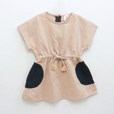 With cute sandals and a messy bun. My children might have a better wardrobe than me haha Little Girl Fashion, My Little Girl, My Baby Girl, Kids Fashion, Cute Outfits For Kids, Cute Kids, Kids Girls, Baby Kids, Outfits Niños