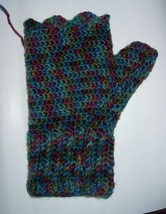 Adventures in Crochet (and spinning...): Fingerless Mitts - Crochet Pattern ~ free pattern