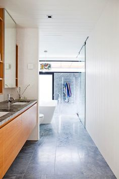 Discover sources, secrets and style tips from an architecture couple who designed and built their cool, contemporary and eco-friendly home in Manly. Green Building, Building A House, Green Facade, Eco Friendly Cleaning Products, Edwardian House, Timber Door, Be Natural, Eco Friendly House, Australian Homes
