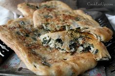 zaatar Cheese Pies, Spanakopita, Cheesesteak, Soul Food, Food And Drink, Vegan, Chicken, Cooking, Ethnic Recipes