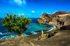 #sealadventures @sealadventures #travel #voyage #aventure #adventure #journey #trip #photography #photographer #vacances #voyages #landscape #acores #azores #açores #volcano #volcan #blue #green #europe #portugal #bleu #vert#bleu #vert