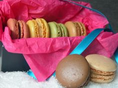 Macarons Gift in Neon box