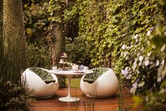 Fine places to stay in Buenos Aires, boutique and design hotels Palermo, Small Boutique Hotels, Bistro Restaurant, Vintage Floral Wallpapers, Top Restaurants, Pink Houses, Scandinavian Furniture, Outdoor Swimming Pool, Red Walls