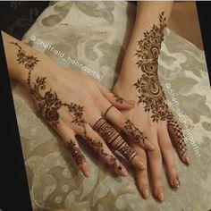 Khafif Mehndi Design, Modern Mehndi Designs, Mehndi Designs For Girls, Mehndi Design Photos, Wedding Mehndi Designs, Mehndi Designs For Fingers, Beautiful Henna Designs, Mehndi Designs For Hands, Wedding Henna