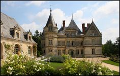 Château de la Bourdaisiere - Indre-et-Loire Choosing this location (and the Prince) for our wedding vow renewal was so memorable. Real Castles, French Castles, Beautiful Castles, Wedding Locations California, Beach Wedding Locations, California Wedding, Palaces, Haute Marne, French Exterior