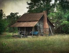 Rustic Cabin Life added a new photo. Old Cabins, Cabins And Cottages, Cabins In The Woods, Small Cabins, Stone Cottages, Rustic Cabins, Old Abandoned Houses, Abandoned Buildings, Abandoned Places