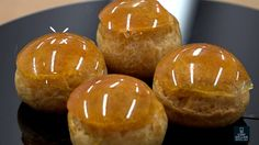 Comment glacer les choux d'un Saint Honoré ? Patisserie Cake, Croquembouche, Nutella Cake, Pastry Art, Caramel Apples, Baked Potato, Biscuits, Muffin, Gluten