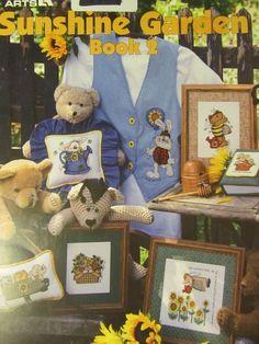 1997 LEISURE ARTS SUNSHINE GARDEN BOOK 2 CROSS STITCH CHART - #2962