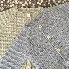Image of Let Og Lun ( Light And Warm) Cardigan 0 - 24 Months. Baby Sweater Patterns, Baby Cardigan Knitting Pattern, Knitted Baby Cardigan, Baby Knitting Patterns, Baby Patterns, Knitting For Kids, Baby Sweaters, Crochet, English