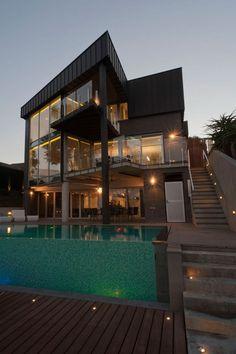 Contemporary Maribyrnong Residence in Australia
