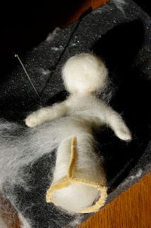 Needle felted doll tutorial using pipe cleaners as base
