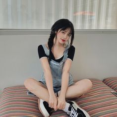 Image may contain: one or more people, people sitting and stripes Uzzlang Girl, Hey Girl, Ulzzang Korean Girl, Abs Women, Grunge Girl, Girl Photography Poses, Cute Korean, Girl Swag, Best Face Products