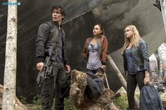 """#The100 2x05 """"Human Trials"""" - Bellamy, Raven and Clarke"""
