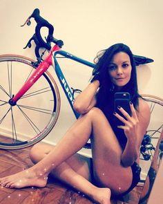 Resultado de imagem para Lu Prado de bike