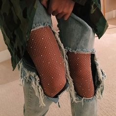 Street Outfits Ripped Jeans Shiny Diamond Fishnet Tights Mesh Pantyhoses Trendy – Lupsona