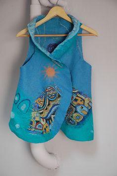 """Жилет """"Под небом голубым..."""" - подарок,голубой,бирюзовый,валяный жилет"""