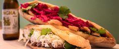 Bocadillos vietnamitas en Malasaña Hot Dog Buns, Hot Dogs, Best Blogs, Plaza, Carne, Cool Stuff, Big, Food, Pickling